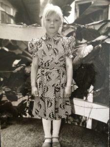 Pildil on esimese klassi Keiti Vilms aastal 1989.