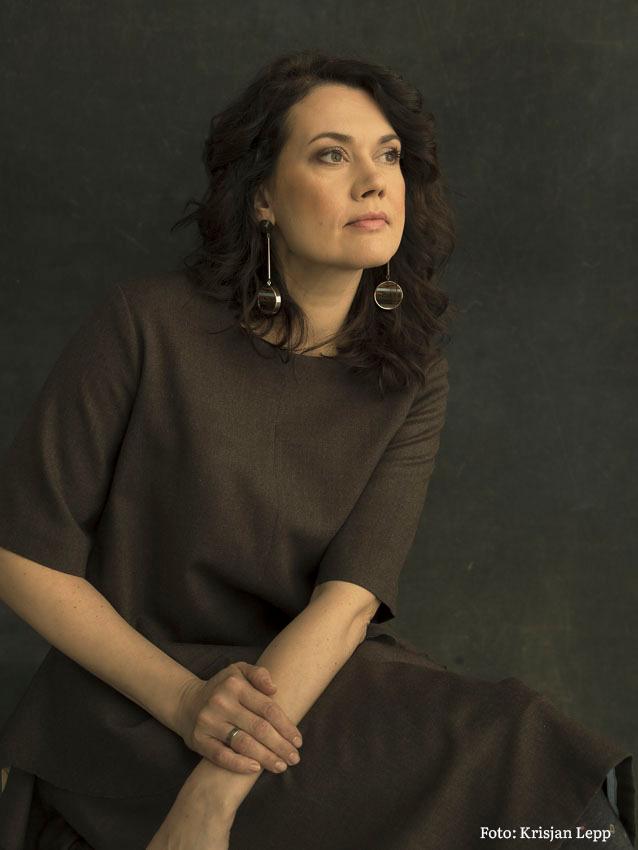 Näitleja Elisabet Reinsalu soovitab põnevus- ja krimikirjandust